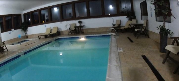 aurora-hotel-basen.jpg